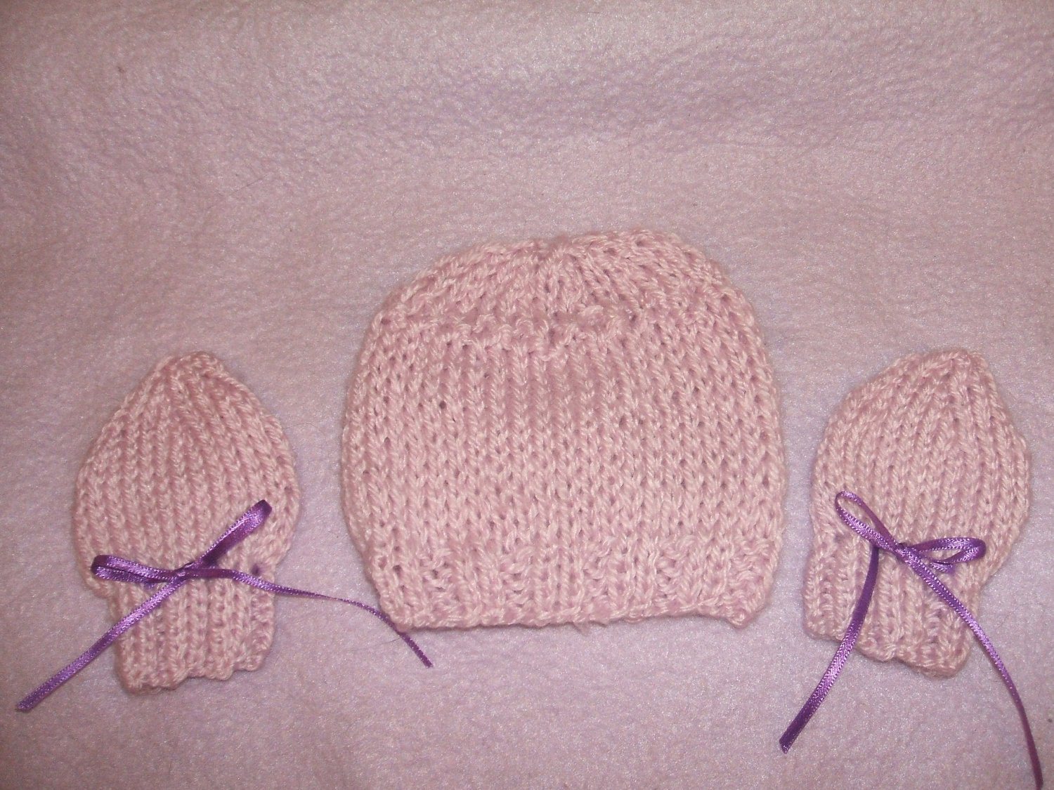 sweet and very cute hand knitted baby hat and mittens set lilac small newborn