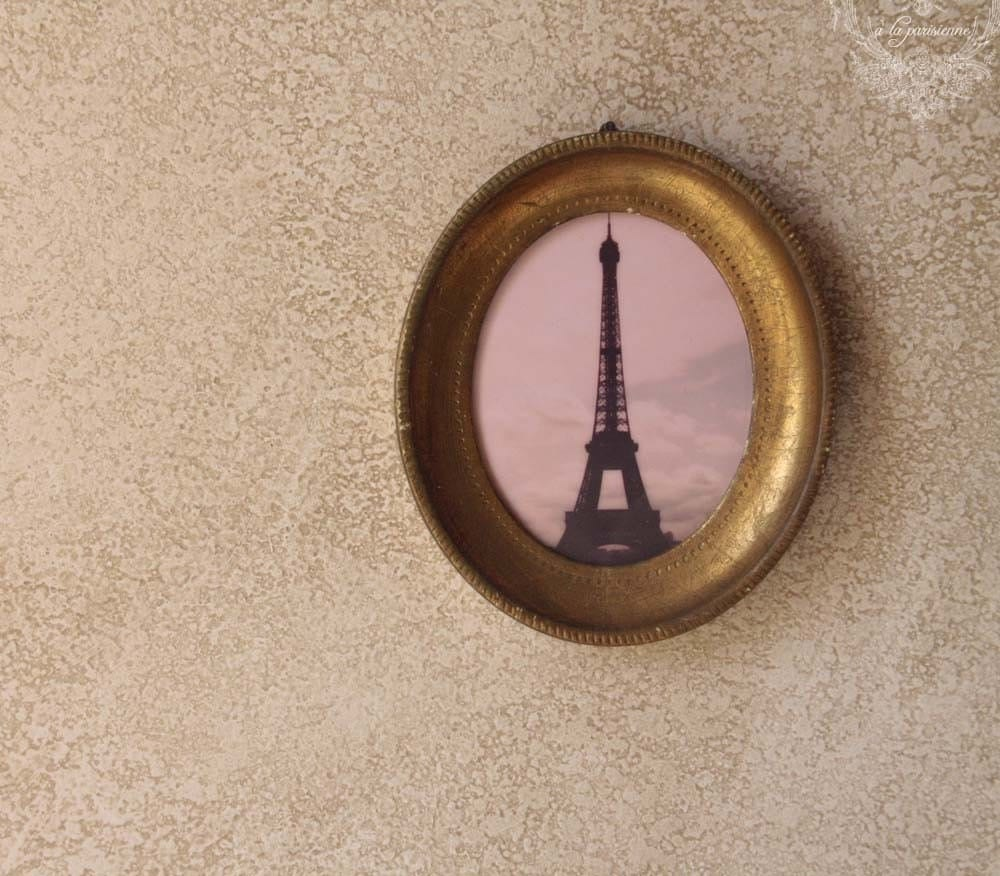 I Spy Paris- Vintage Oval Frame with Eiffel Tower Picture