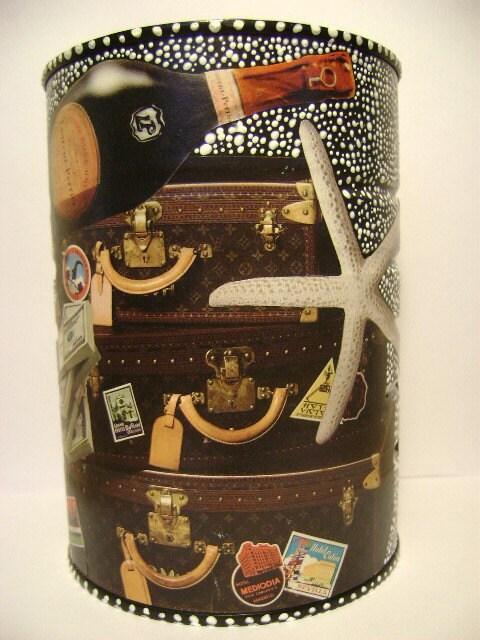 Путешествие Lady - ручная роспись Upcycled Декупаж Декор Искусство канистра
