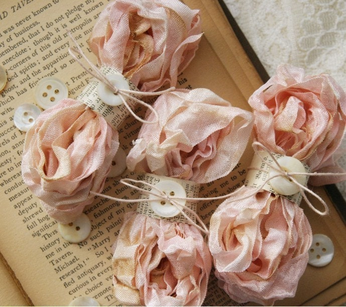 Cabbage Roses Ribbon ROSE WATER