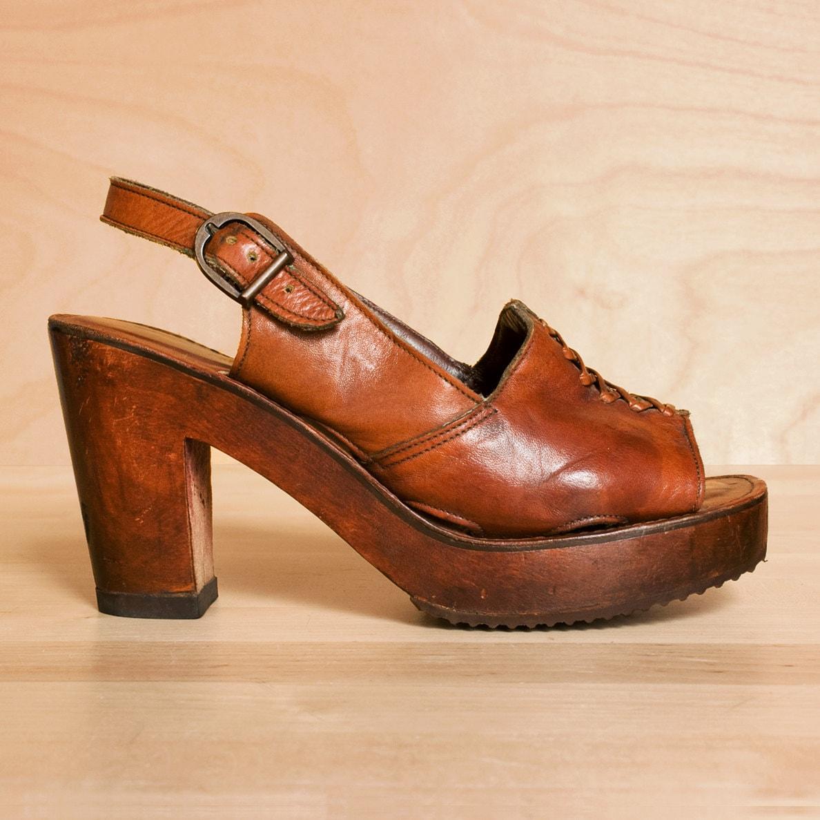 vintage 1970s platform shoes 8 7 5 platform by kenaione
