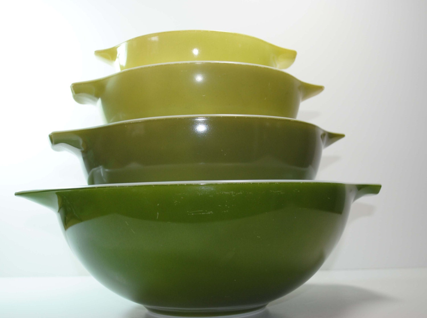 Set of 4 PYREX Verde Green Cinderella Mixing Bowls - BridgetsCollection