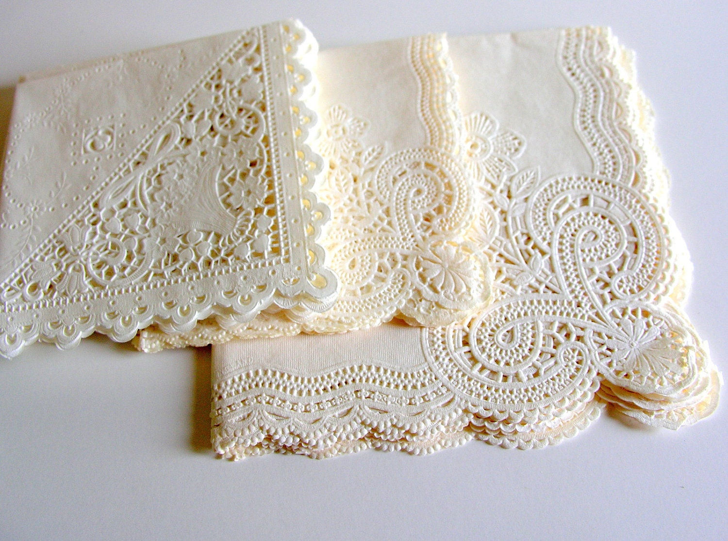 Vintage paper lace napkins large lot of 20 by veraviola on etsy
