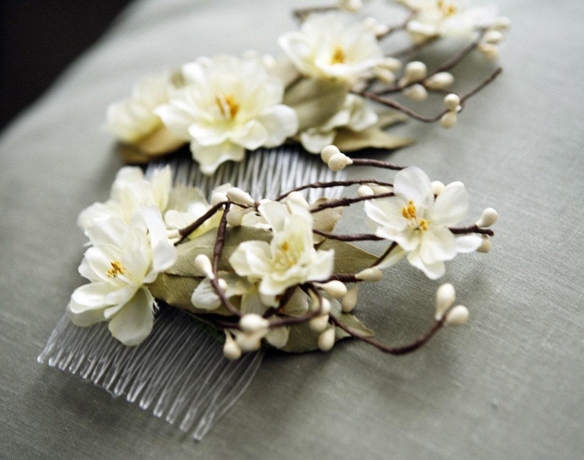 Как сделать украшения из живых цветов и эпоксидной смолы 3