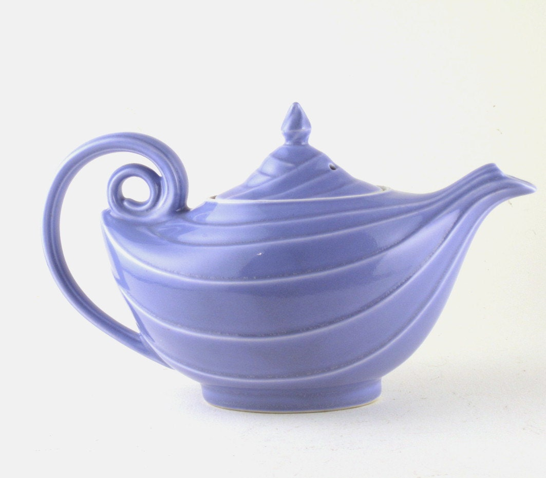 Vintage teapot hall teapot hall aladdin by strychninevintage - Aladdin teapot ...