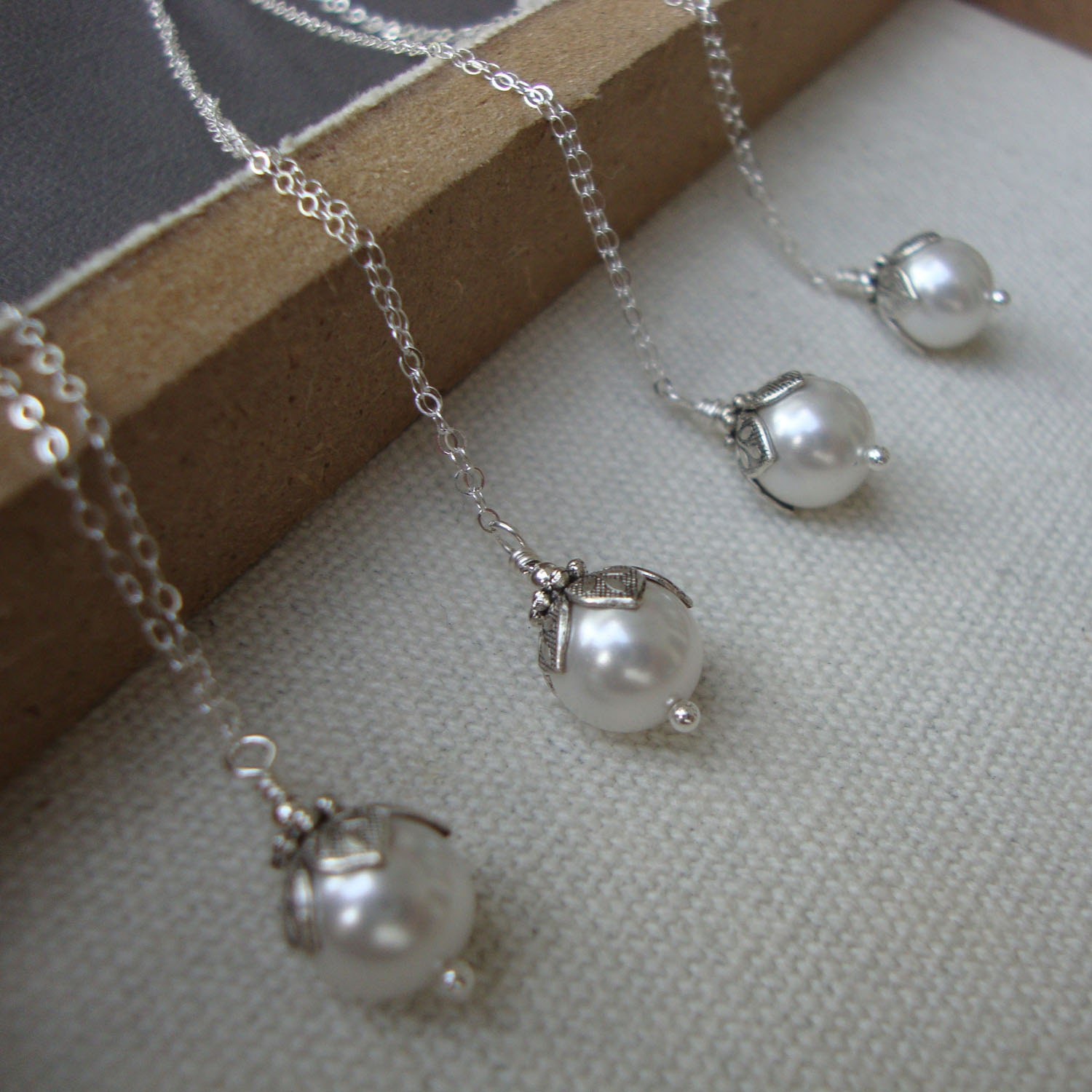 Brilliant Pearl Wedding Necklace 1500 x 1500 · 258 kB · jpeg