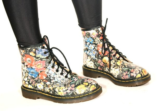 vintage doc dr martens floral print combat by jamesrowlandshop. Black Bedroom Furniture Sets. Home Design Ideas