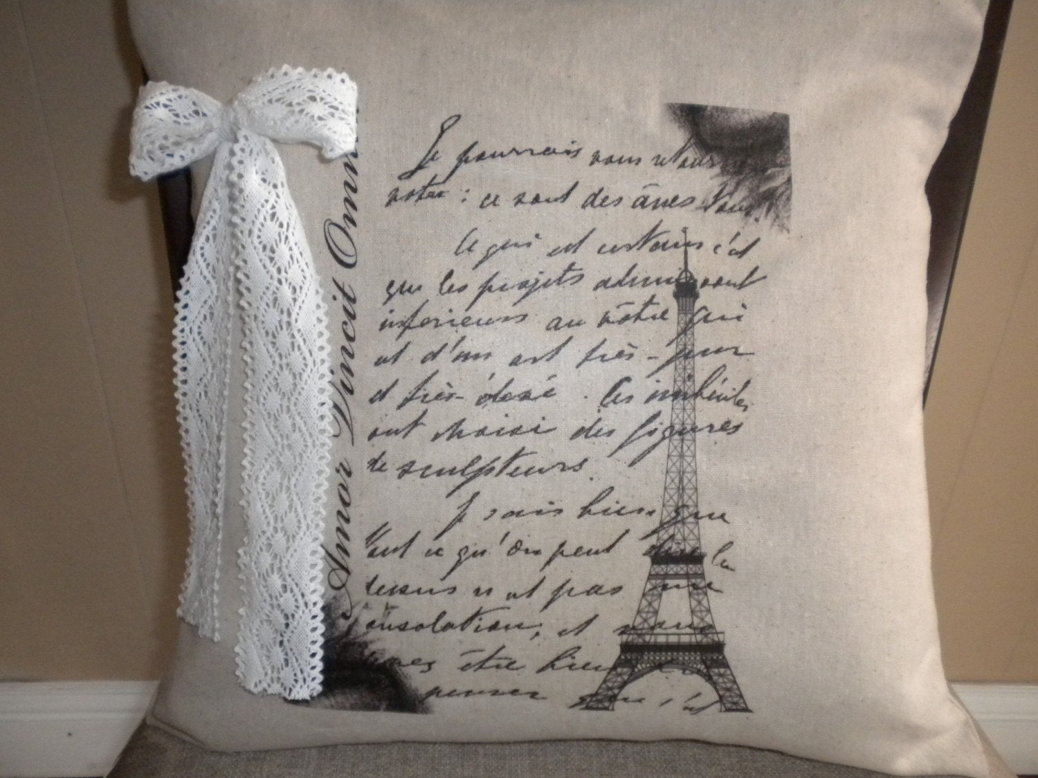 16x16 Pillow Cover with French Text and Eiffel Tower