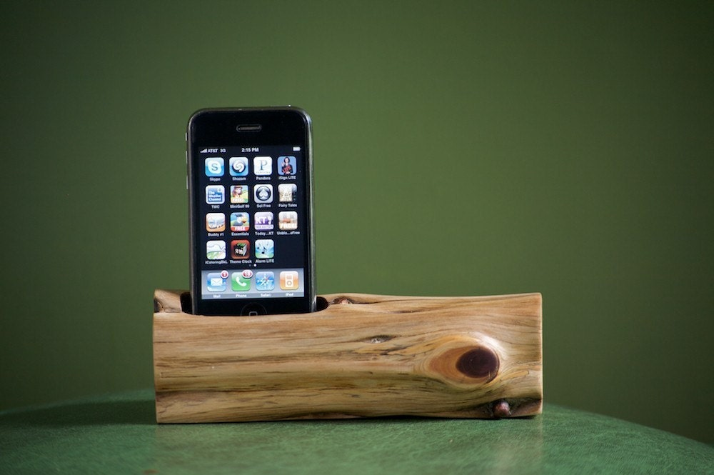 wooden iphone docking station handmade wooden ipod iphone dock the ivanexpert mac 16526