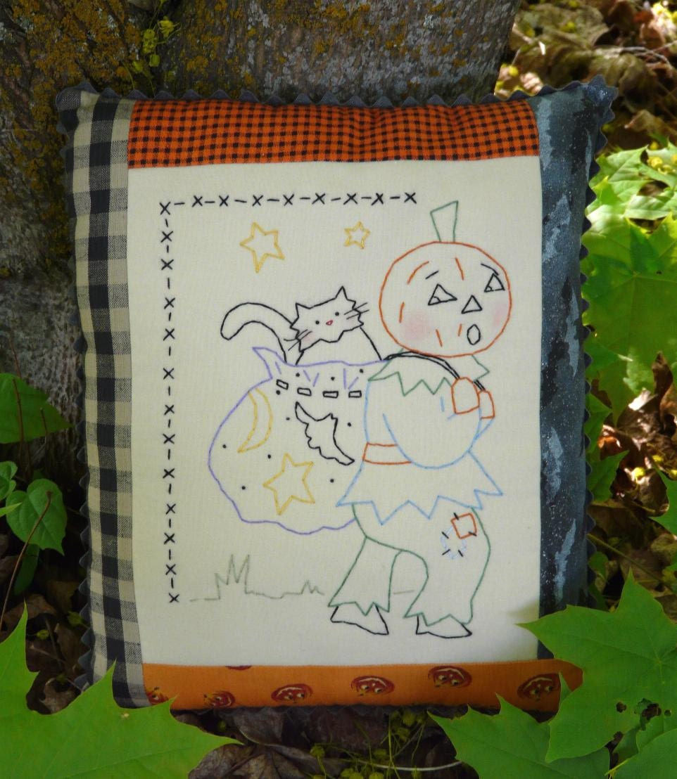 Letting the cat outta the bag stitchery E Pattern - halloween pumpkin man black cat vintage like primitive