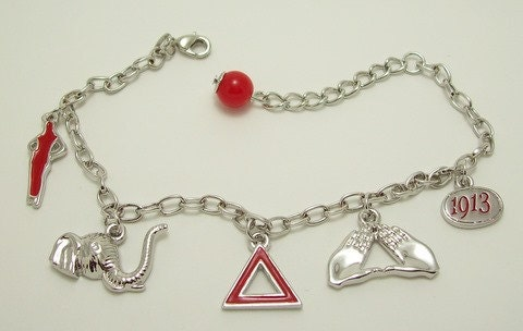 Unavailable listing on etsy for Delta sigma theta jewelry