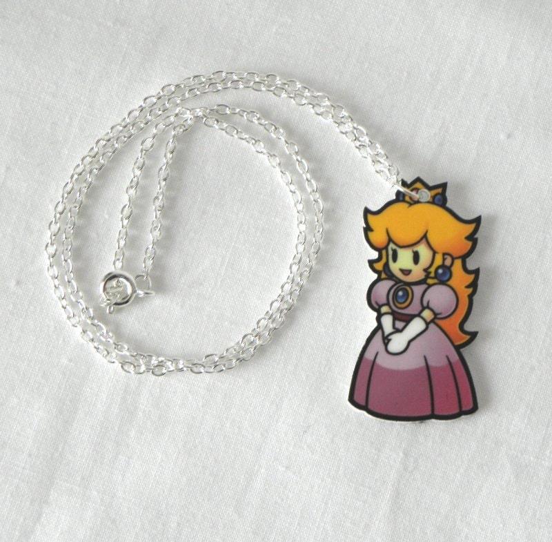 NINTENDO Super Mario Bros PRINCESS PEACH Toadstool Necklace