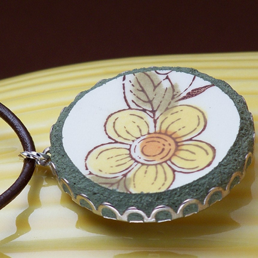 Broken China Plate Pendant Recycled Daisy Floral