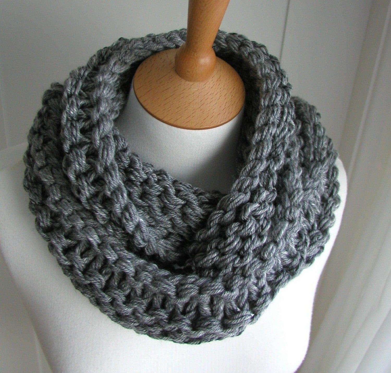 Chunky Knit Circular Scarf in Steel Gray