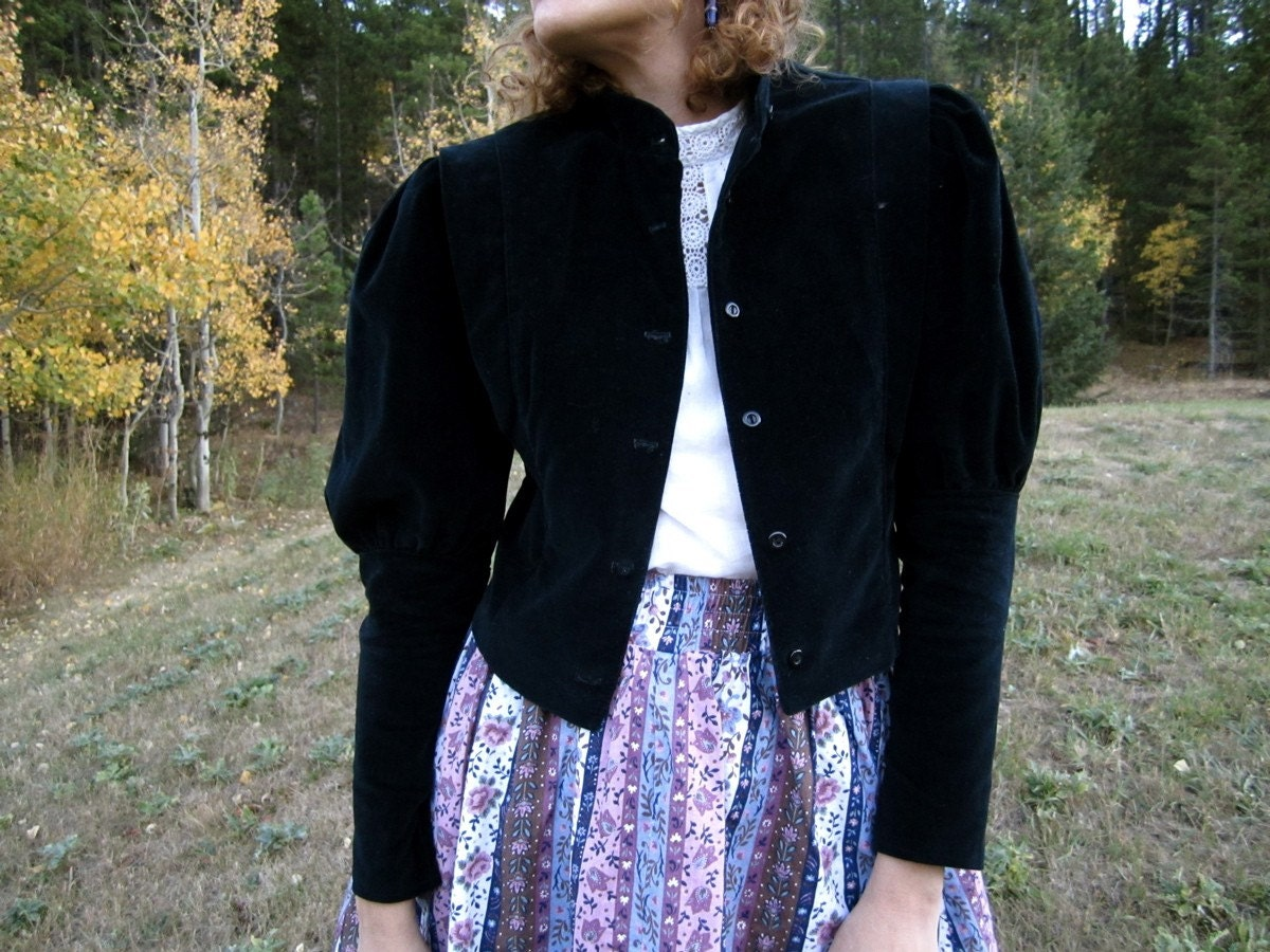The JULIET Black Velvet Renaissance Jacket