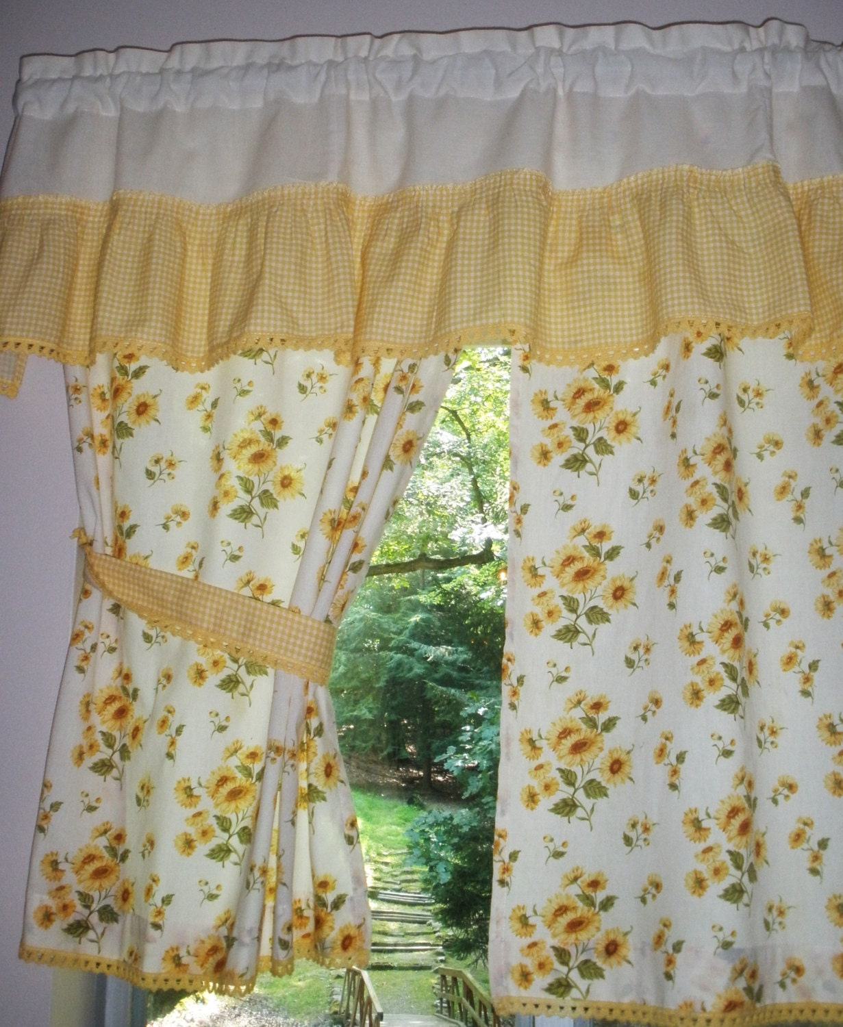kitchen curtains and valance vintage sunflowers and yellow gingham
