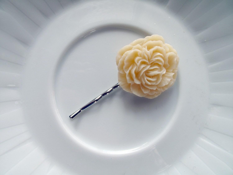 Peony Hair Pin- Ivory