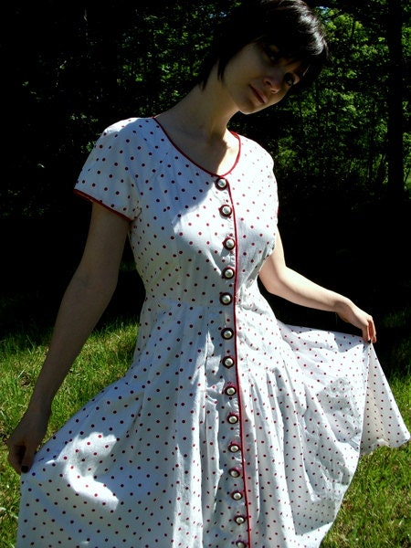Red and White Polka Dot Dress Size small Cute Summer dress Short Sleeves long skirt Button up Classic retro - drujienna