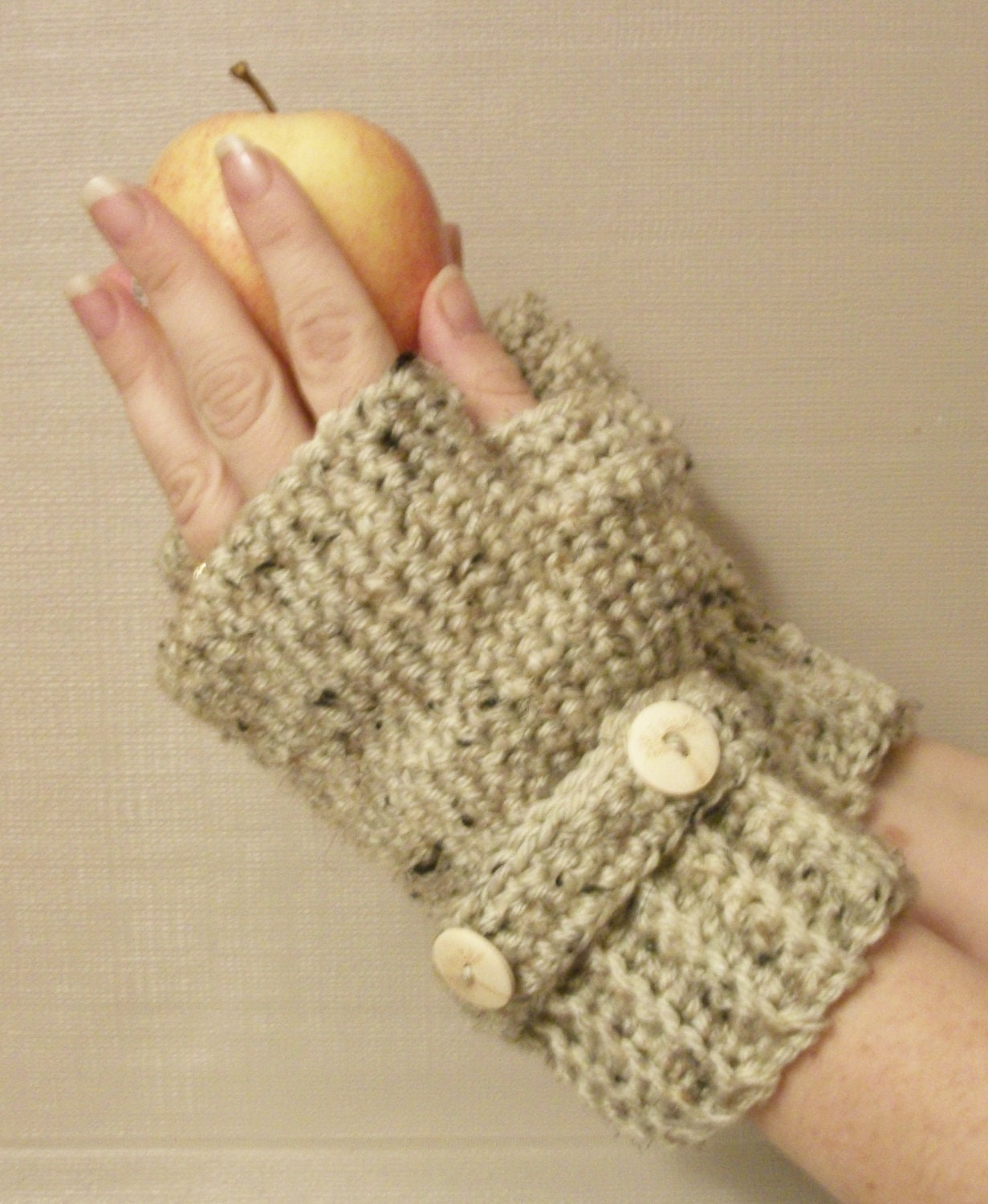 Crocheting Gloves Fingerless : https://www.etsy.com/listing/114732957/fingerless-gloves-wrist-warmers