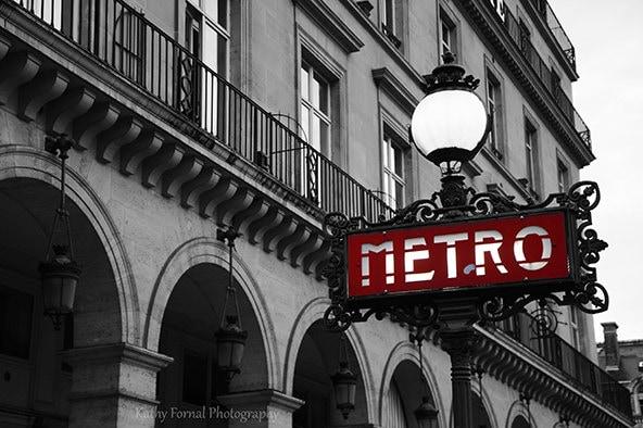 Photographie de paris m tro rouge signe lampadaire par kathyfornal - Lampadaire noir et blanc ...