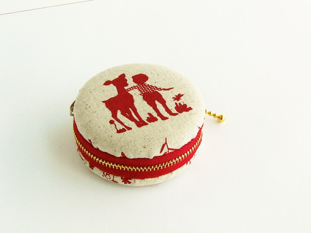 macaron coin purse -red linen happy childhood deer Acorn-macaroon Jewelry pouch- Illustration - qiqikoko