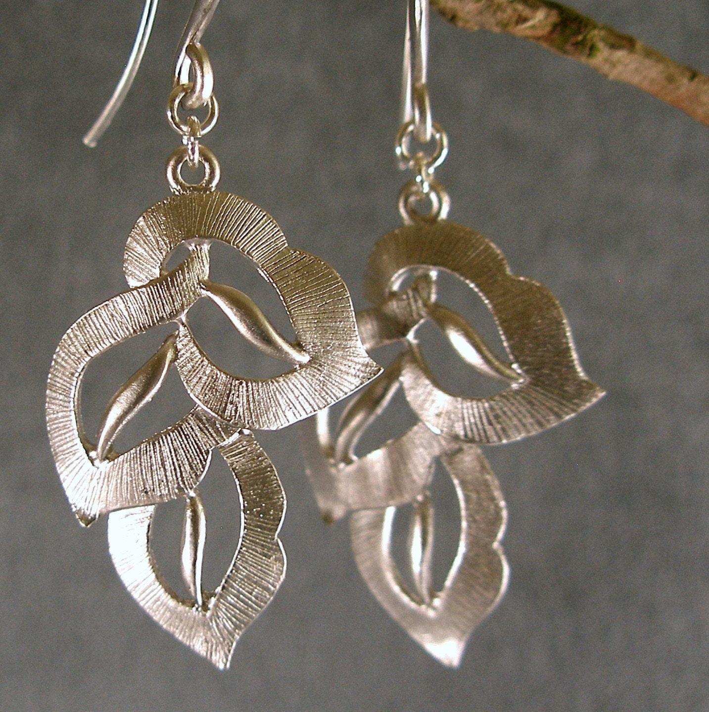 5 pair Silver Textured Leaves Bridesmaids' Earrings (415-940R)