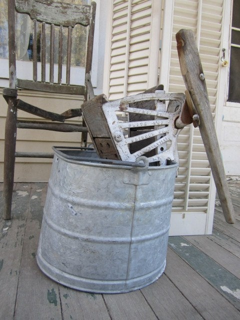 Vintage Galvanized Mop Bucket w/Antique Cast Iron and Wood Wringer Attachment