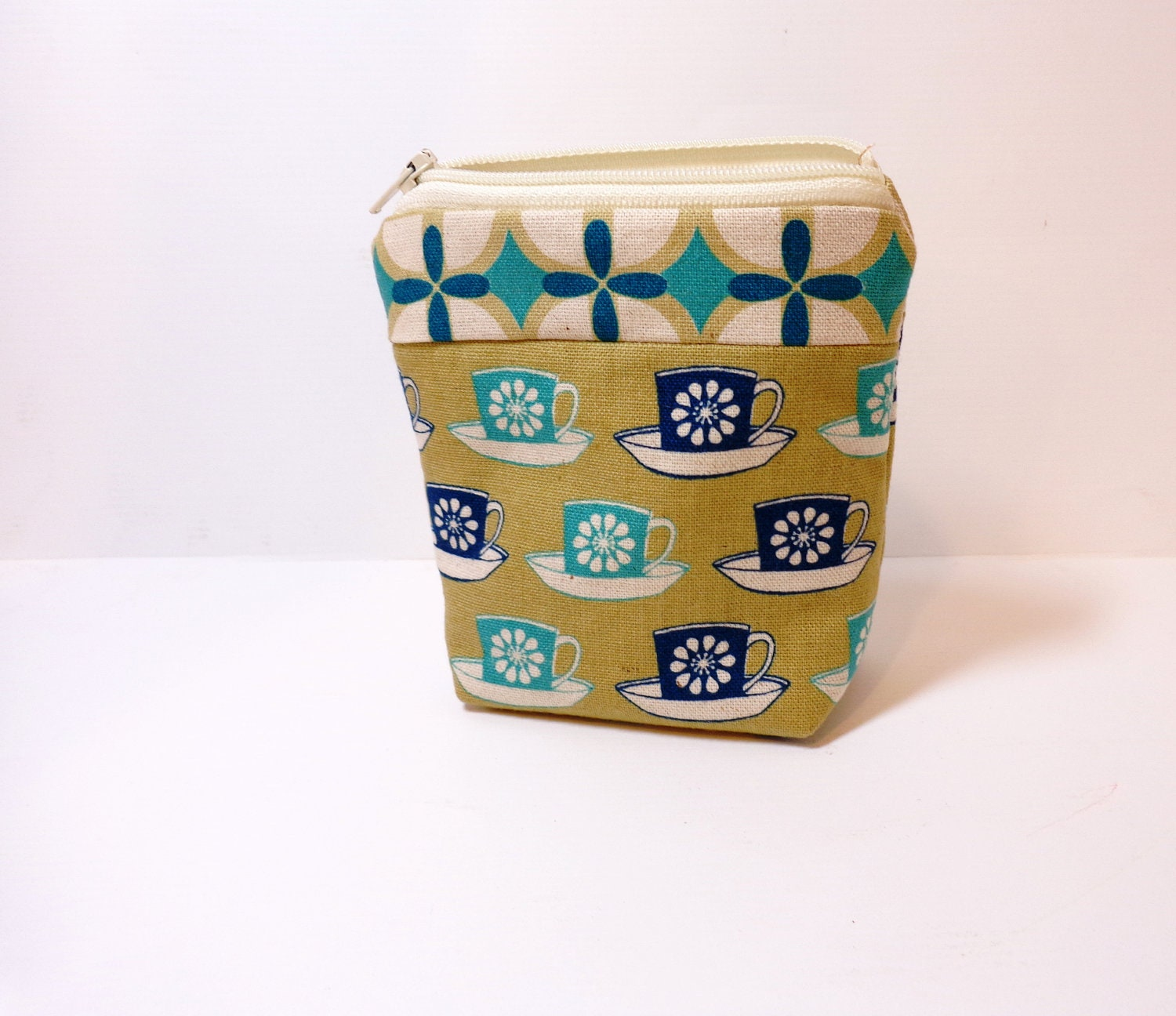 Small  Zipper Pouch Small Change Purse Small Wallet  Teacups in Teal and Blue