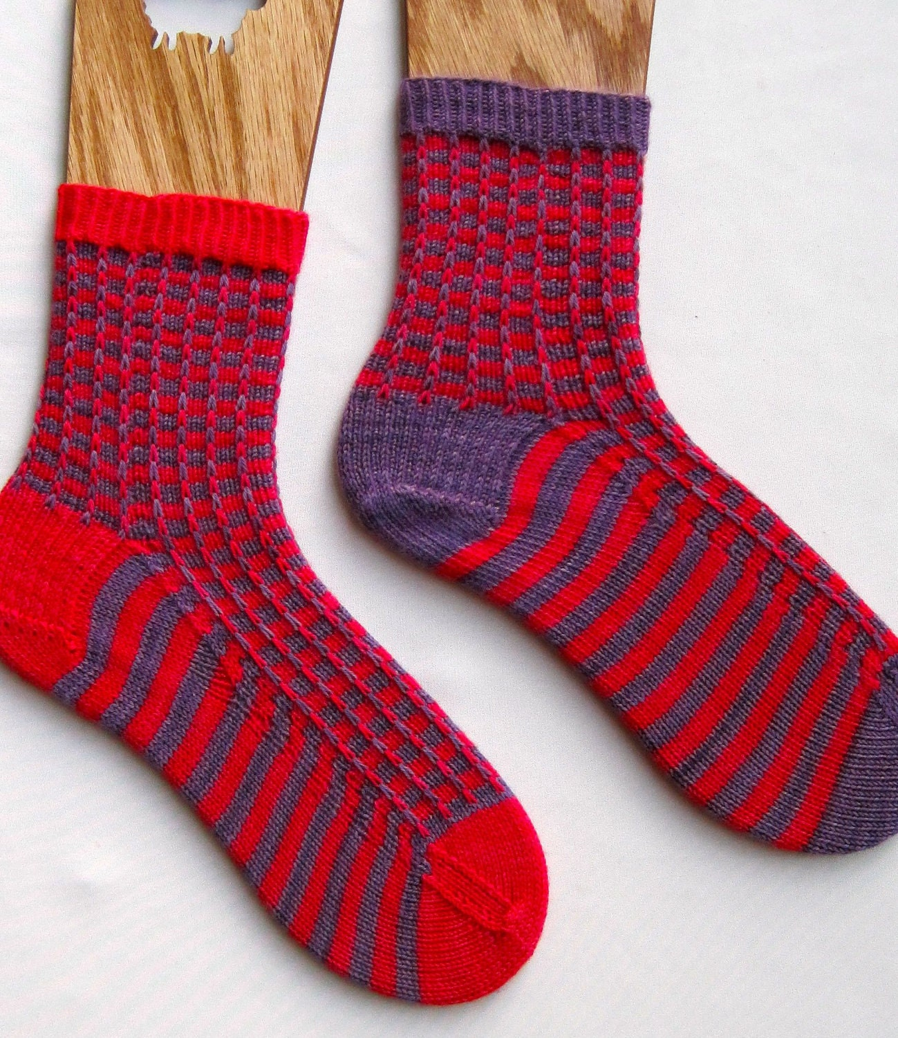 Pattern For Socks In Double Knitting : Knit Sock Pattern: Two Color Mismatched by WearableArtEmporium
