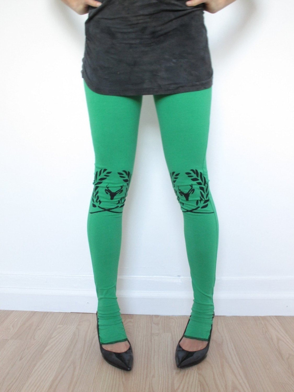 Kelly Green Leggings With knee print in Black