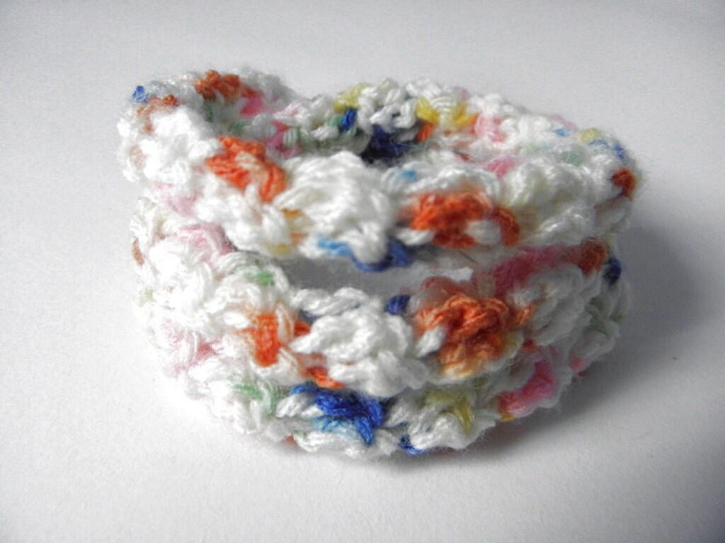 Crocheted wire bracelet multicolour gradient