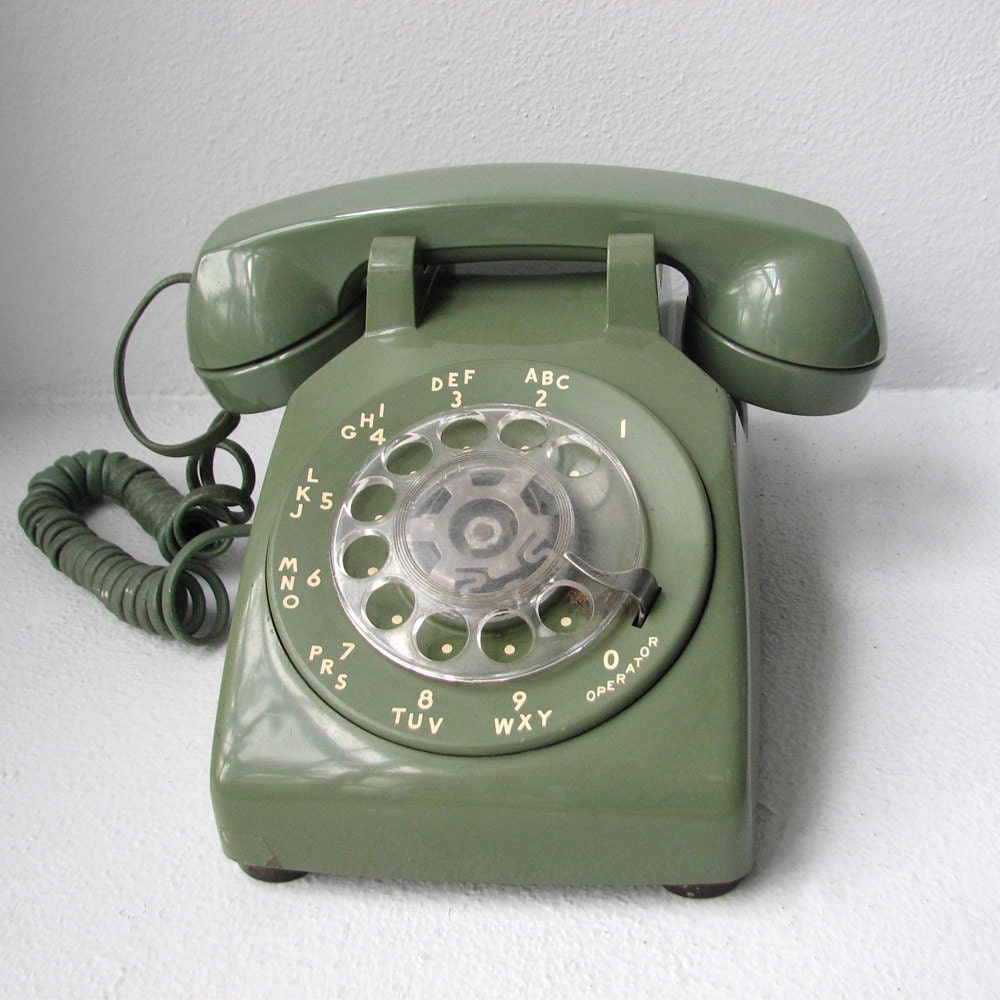 WORKING Vintage Rotary Phone Avocado Green by jackandtilly