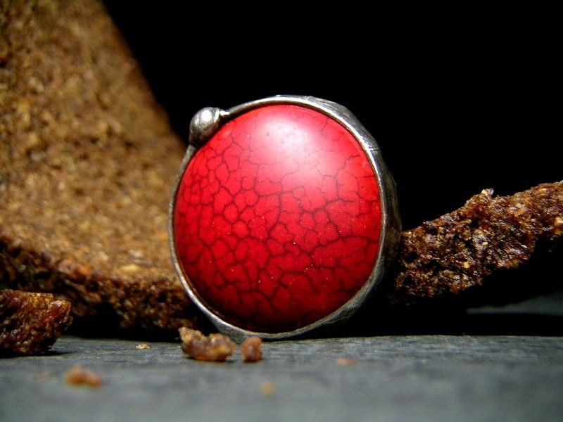 RED Ring - Big Ring - Green Howlite Ring - Tiffany Technique - AMW ATELIER - AMWatelier