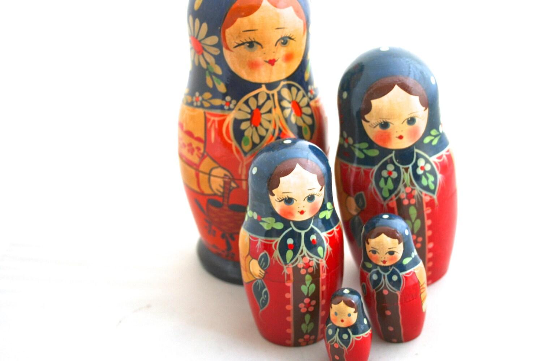 Family Time - Russian Matryoshka - Vintage Nesting Dolls - Soviet - Wood Dolls - Bright - - Birdnestsandpaper