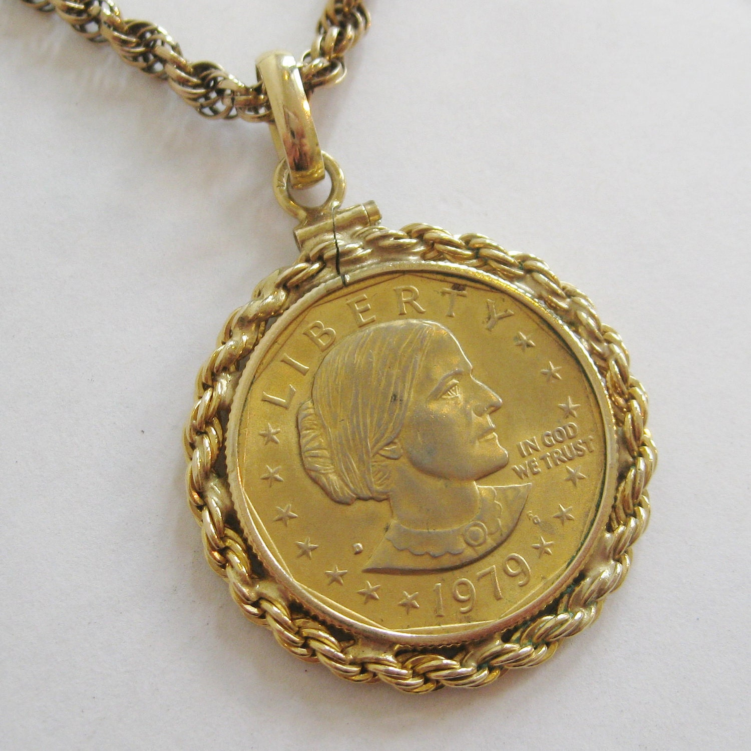 Vintage 1979 Gold Susan B Anthony Liberty Dollar By