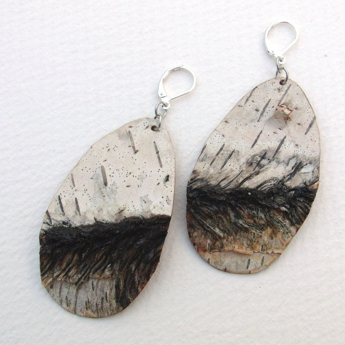 Birch bark earrings, Mark