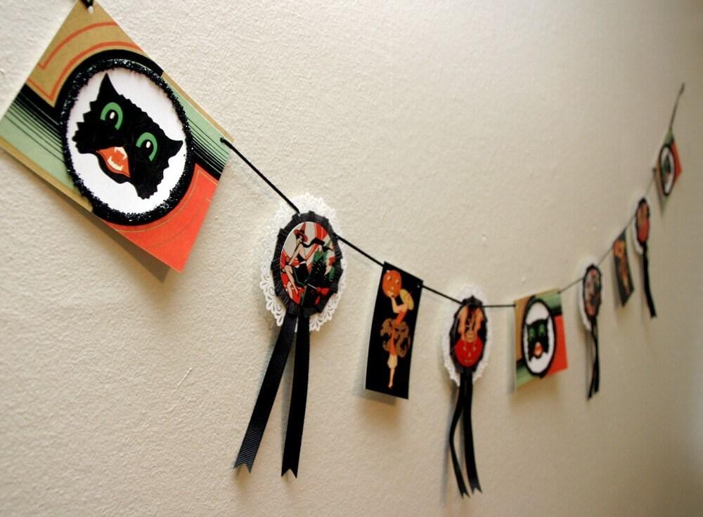 Retro Art Deco Witch Halloween Garland