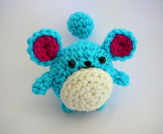 Pokemon Marill Amigurumi - free Pokeball keychain included