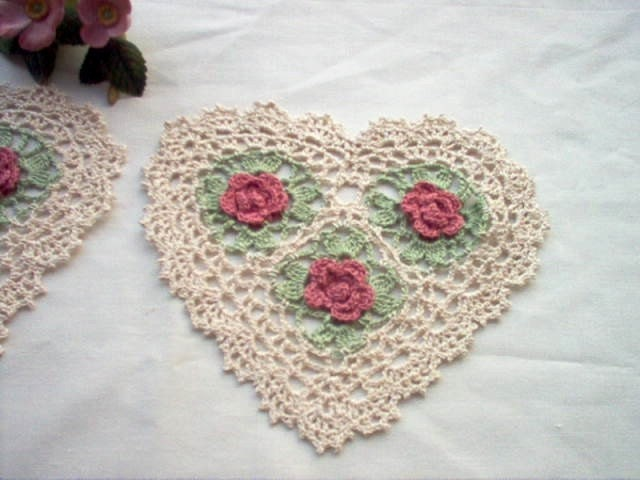 DOILIES Victorian Heart and Roses Crochet Lace Thread Art Set of 2 Doilies