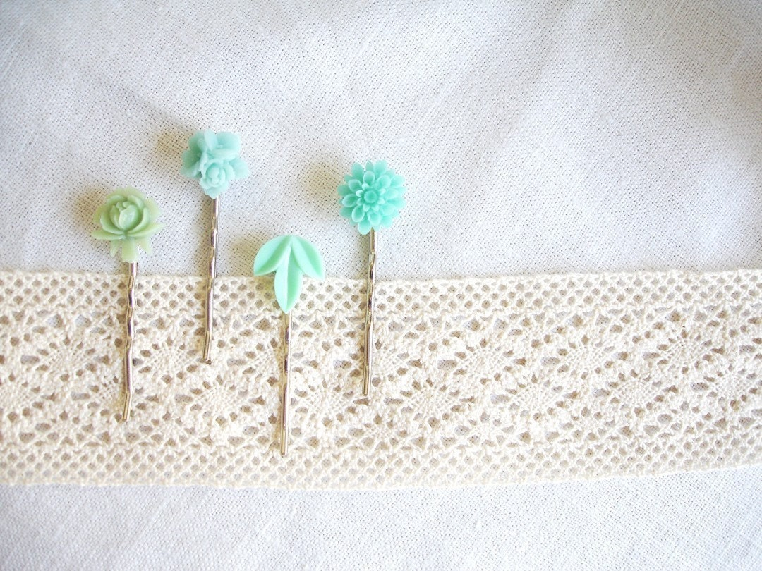 mint(ed) - your choice, lovely mint hair bobbi pins.