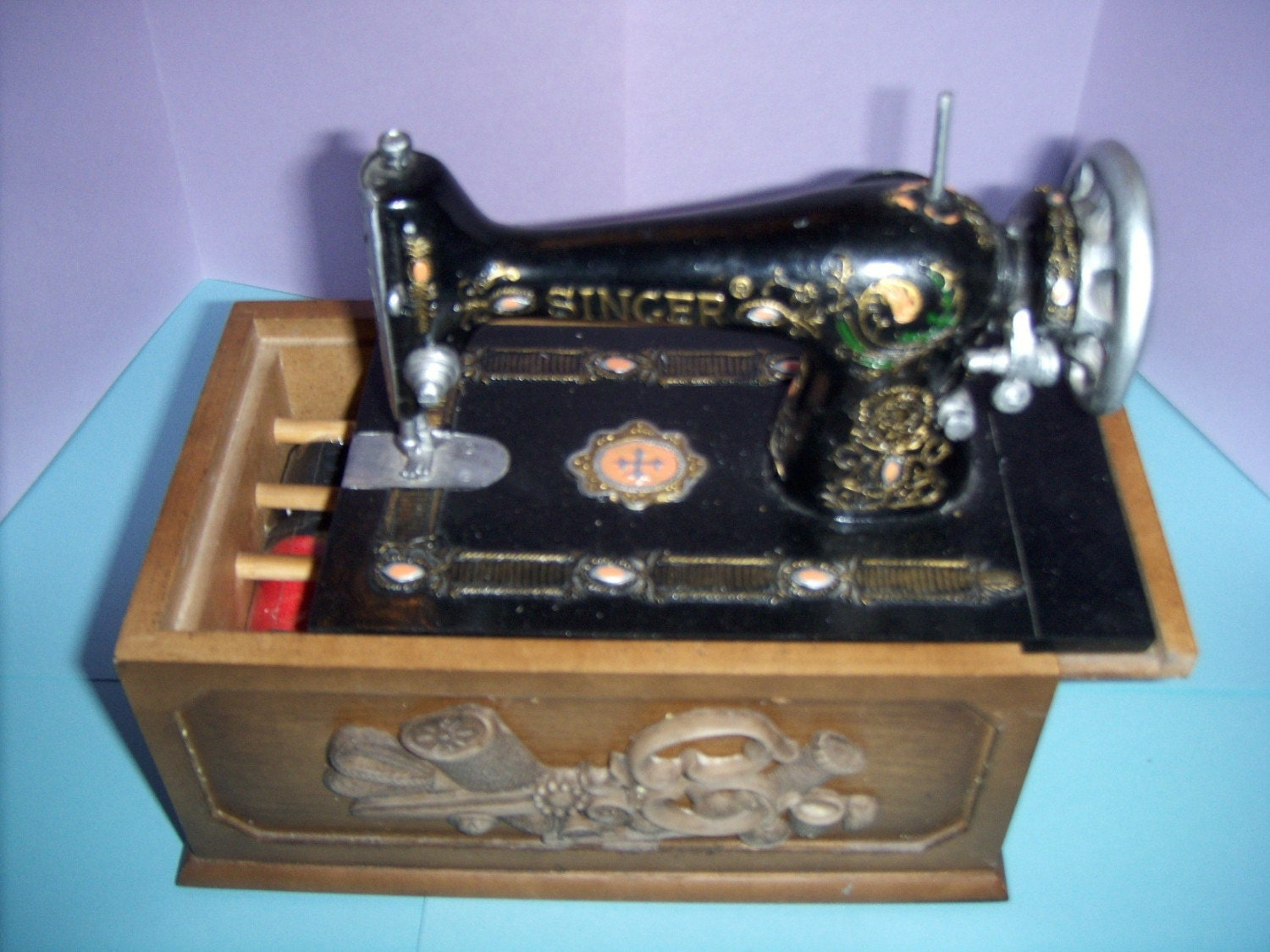 vintage mini singer sewing machine