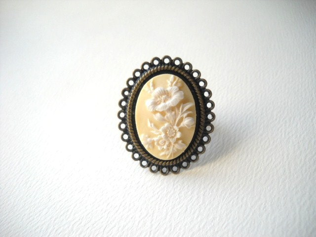 Yellow Cameo Adjustable Ring