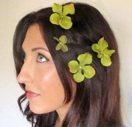 Giverny - Flower Hair Clips Bobbies Sage Green Gold Hearts