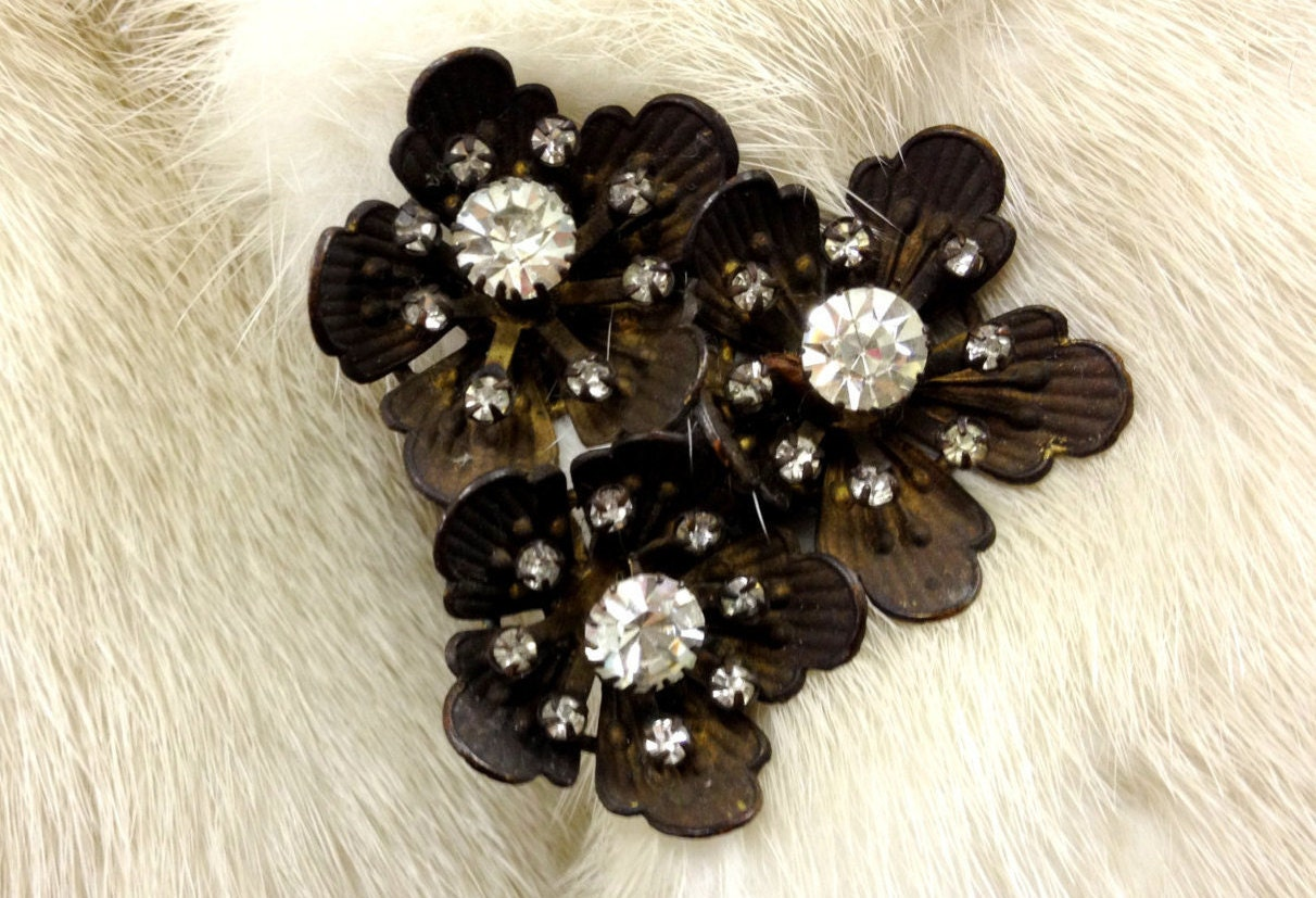 Vintage dress clip brass flowers and rhinestones Art deco signed made in czechoslovakia