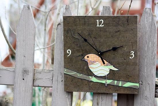 chickadee clock (brown)