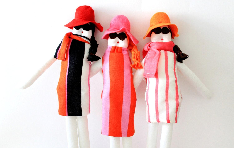 la dolce vita - Custom handmade fabric doll by Fulana Beltrana Sicrana