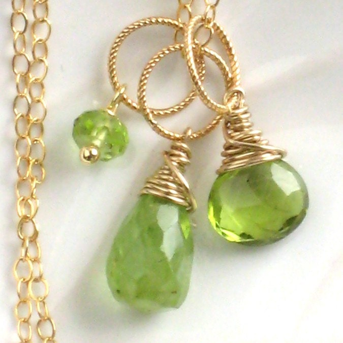 August birthstone bijoux collection necklace 3 peridot pendants and