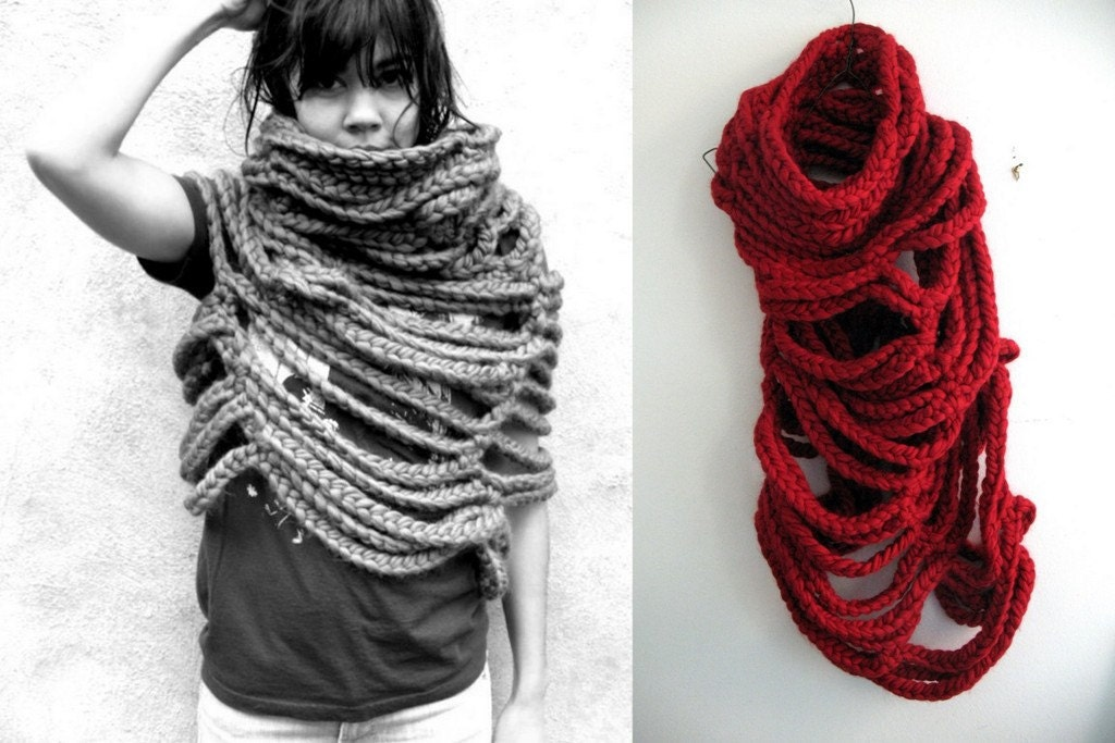 Large Cloud Cowl, red