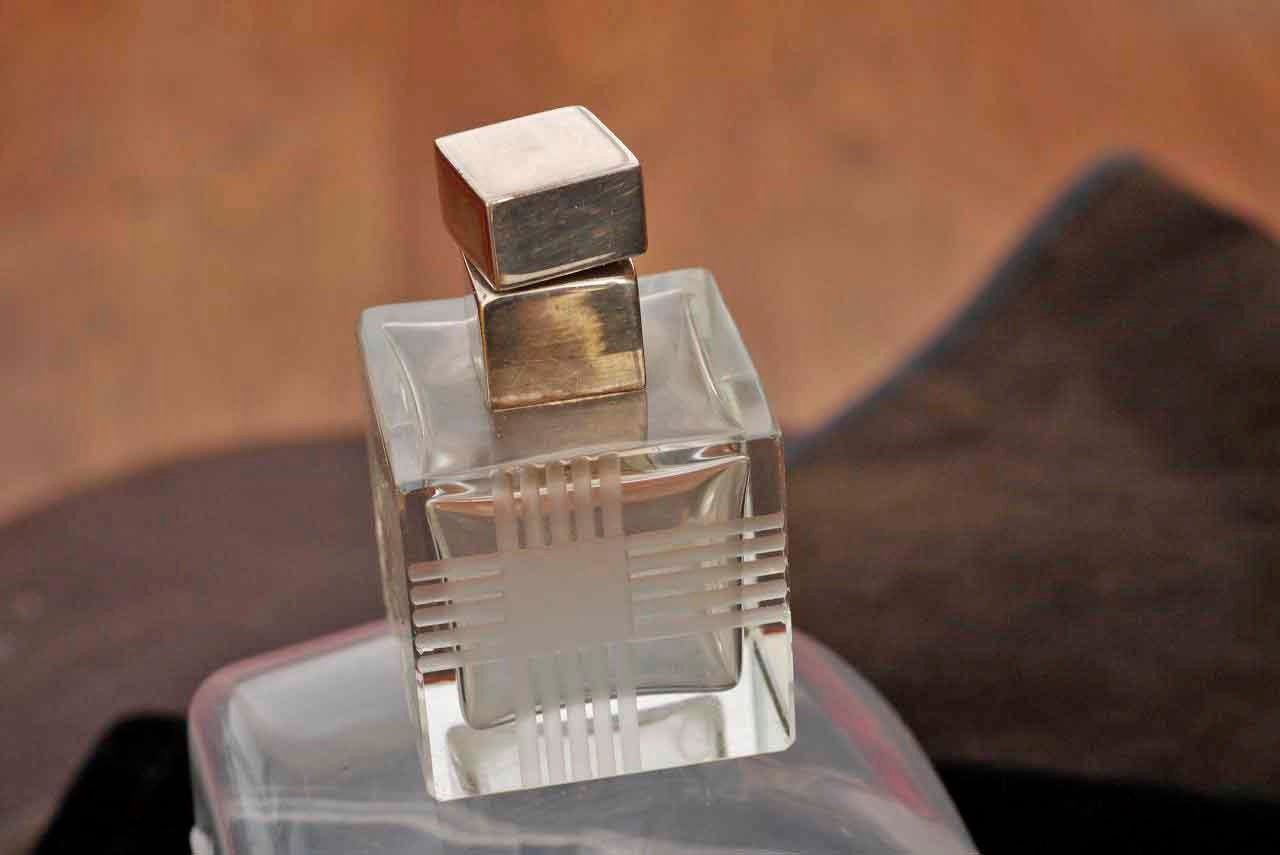Glass Cube possibly Art Deco Perfume Bottle with Heavy Screw Top