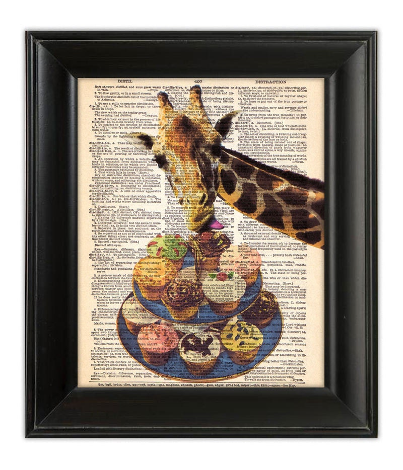 GIRAFFE Loves Cupcakes Cake Art Print Funny by PatricianPrints